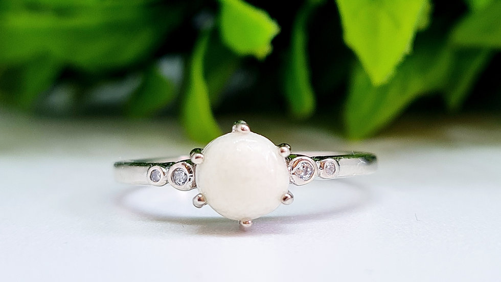 Circle stone breastmilk ring