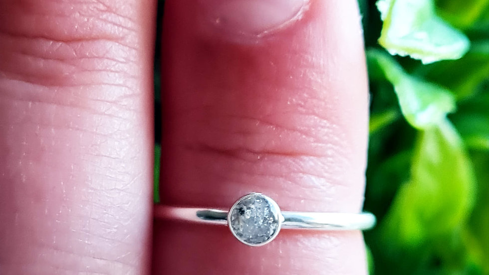 Dainty 3mm ashes ring