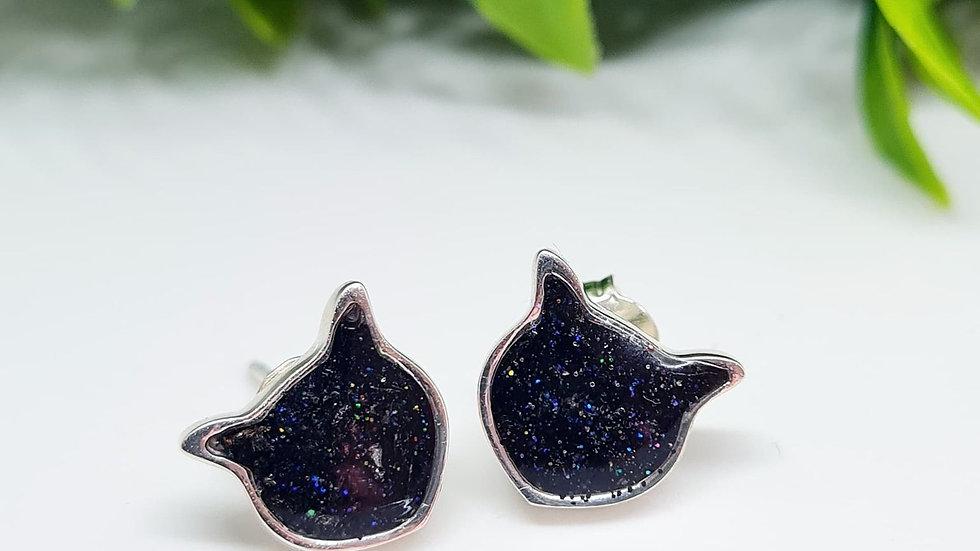 Cat head shape memorial earrings