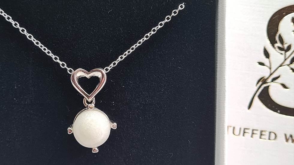 Breastmilk necklace with heart