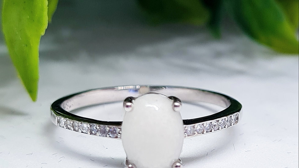 Oval breastmilk ring with diamante band