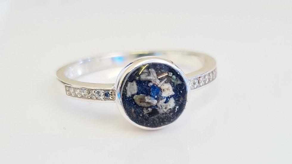 Breastmilk diamante band ring