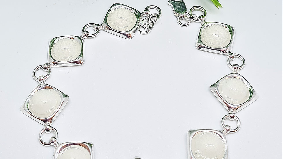 8 pendant breastmilk pendant