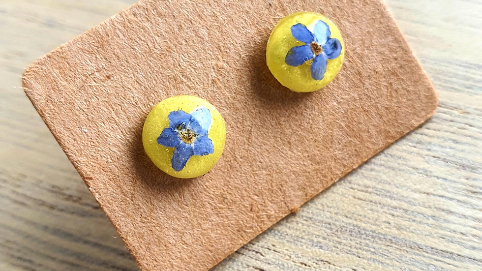 8mm forget me not studs