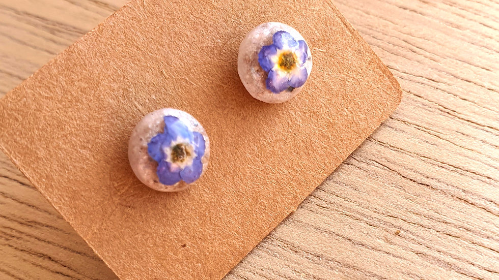 Forget me not ashes studs 8mm