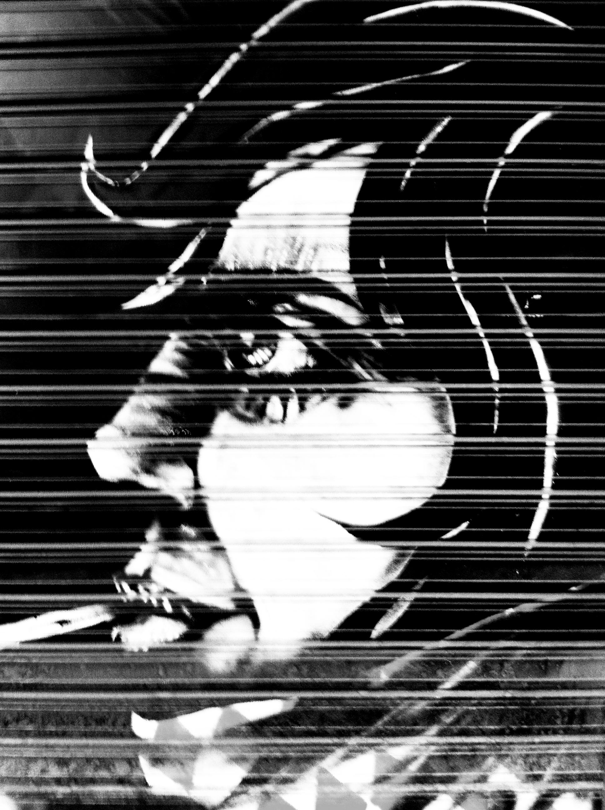 face_cigarette_scarf_grey.jpg