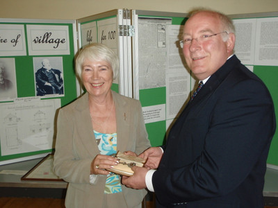 Veronica Oliver with Mike Hall MP, and the silver key