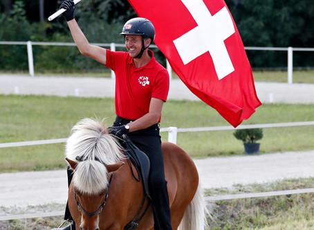 Ein Reiter, zwei Pferde, drei Titel!