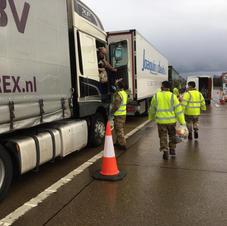 Army distribute food to HGV drivers in Op Brock