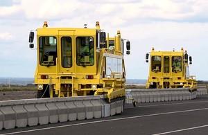 Highways England's 'zipper' machine moving the Operation Brock barrier