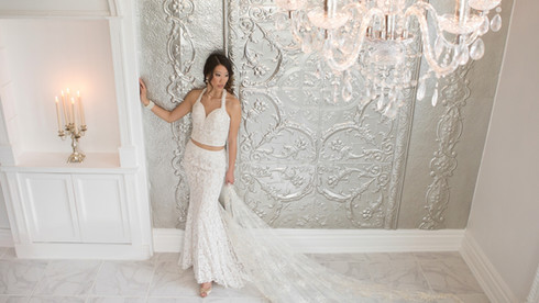 Elegance in the white room