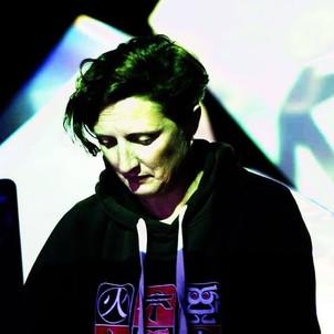 Ixindamix - Freitag - 00:00 - Dancefloor