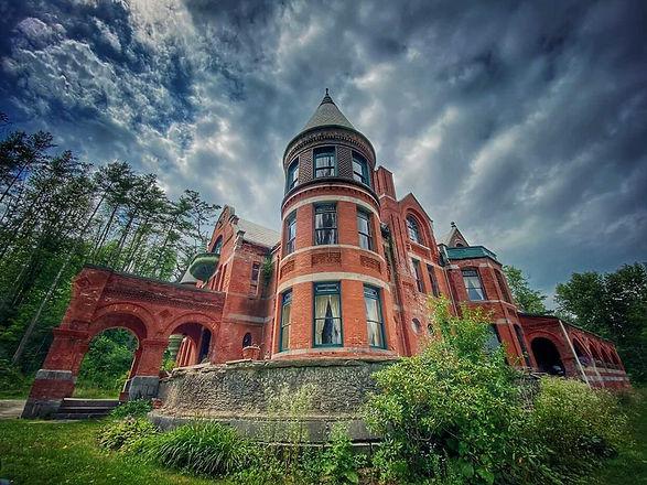 castlebaker.jpg