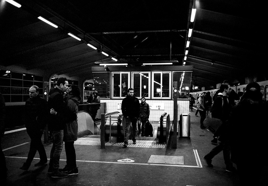 A Kiss and a Crowd at Kottbusser Tor, 2018