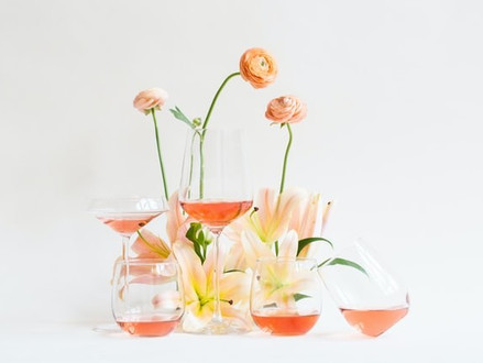 Cheiro de flor: saiba reconhecer aromas florais no vinho e beba a primavera em taças