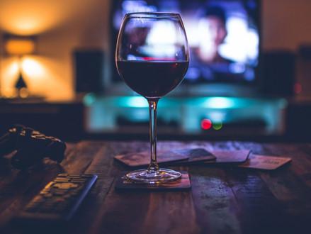 Sete filmes sobre vinho para assistir embaixo das cobertas com a taça na mão