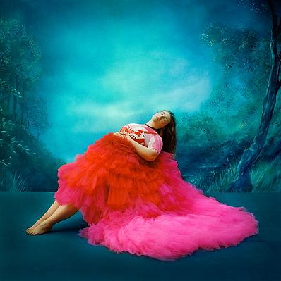 צילום מיכל חלבין - בתמונה - דוגמנית לורי שטרן, שמלה בעיצוב הילה כהן. ניהול קריאיטיבי לצילו