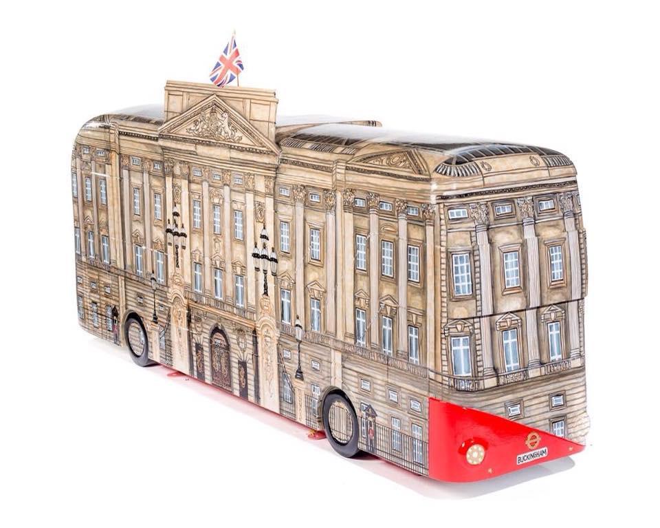 Buckingham Palace Bus (3).jpg