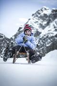 meran_2000_winter_familyskiing area_child