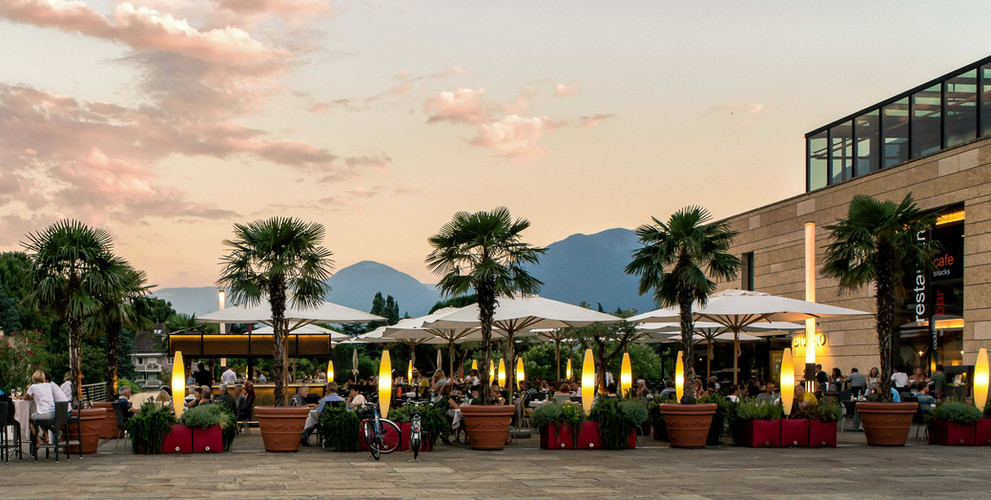thermenplatz_piazza_therme_meran_bistro_