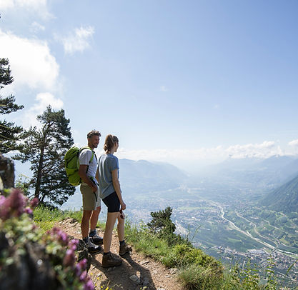 wandern_meran_panorama_ausblick_berge_la