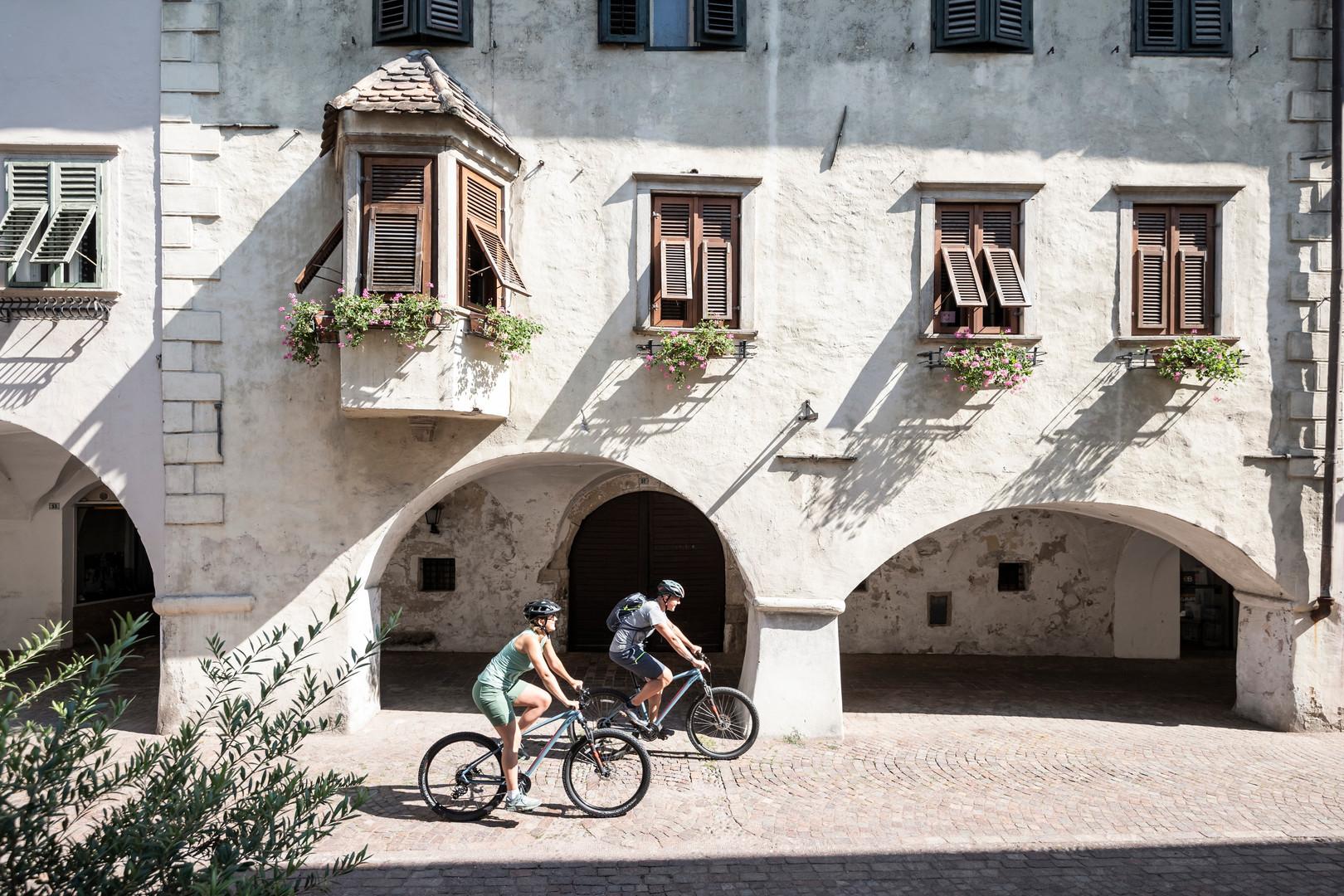 radfahren_biken_stadt_kultur_suedtirol