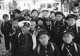 02.11.21今昔物語_倉俣小学校の児童たち.jpg
