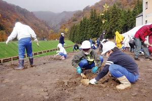 02.11.21中条川植樹.jpg
