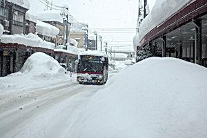 十日町豪雪5_駅通り.jpg