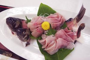 02.7.25川魚刺身.jpg