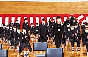 02.4.11川西中学校入学式.jpg