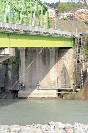 02.5.9橋接岸部.jpg