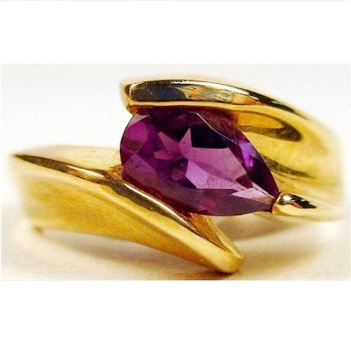 10k Yellow Gold Pear Cut Amethyst Ring