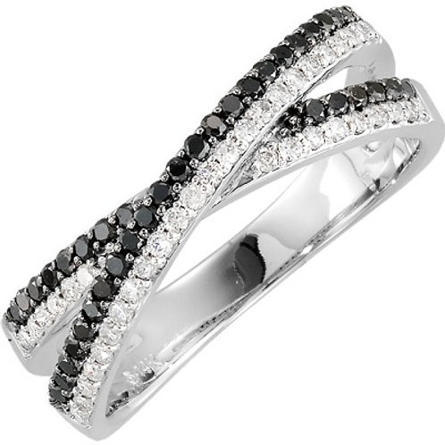Criss Cross Ring black and white diamonds