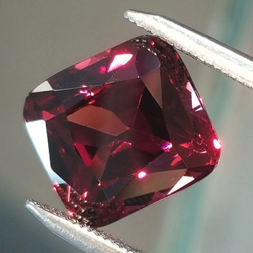 Grape Garnet  5.28 ct