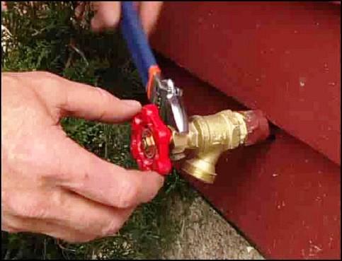 leaky-faucet-repair.jpg