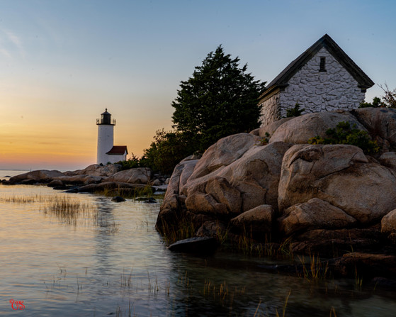 Annisquam lightouse and Cottage