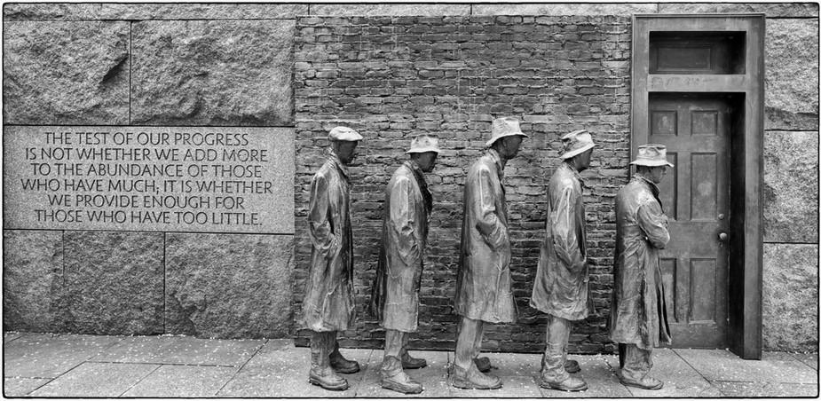 Breadline - Roosevelt Memorial
