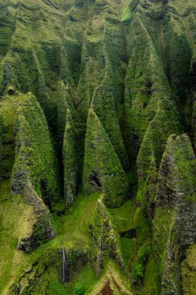 Razor cliffs, Napali Coast, Kauai