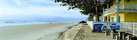 Praia em frente ao ÁguaMar