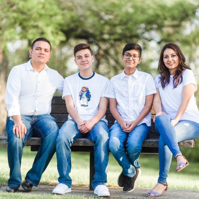 Arreguin Family-65.jpg