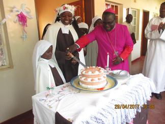 Madres Carmelitas de ZOMBA - Profesión de la Hna. Paulette