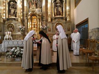 MADRES CARMELITAS PAMPLONA - Prof. Hna. Mª Elena y Mª Cecilia