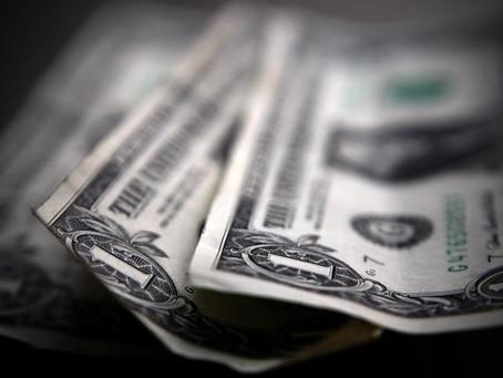 Dollar Edges Higher; U.S. Growth Profile Looks Impressive