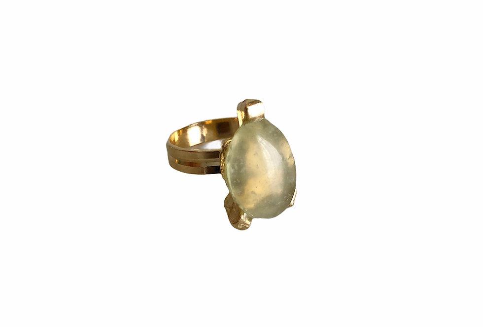 Easel Ring