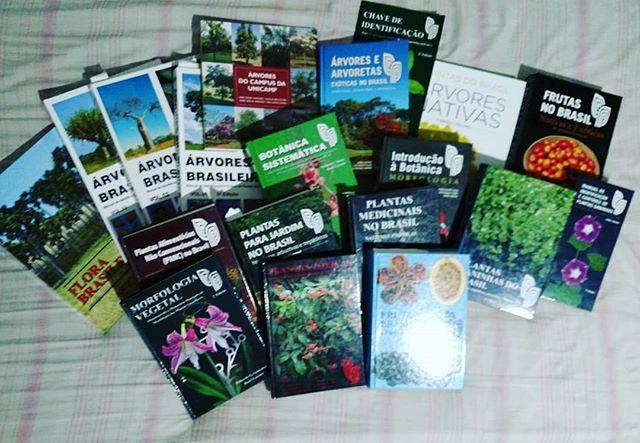 Meus livros favoritos.jpg.jpg.jpg_#botanical _#botanica _Parabéns a toda equipe do Instituto Plantarum.jpg