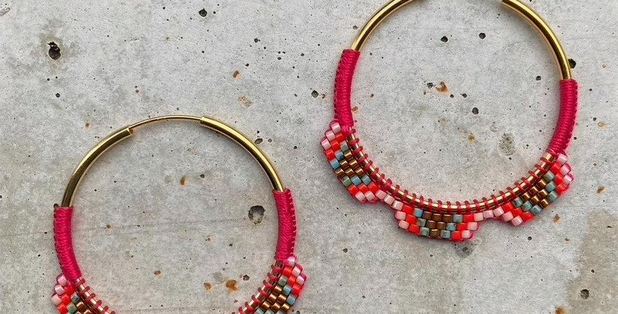 kreolen silber vergoldet, rot/rosa/türkis, 4 cm