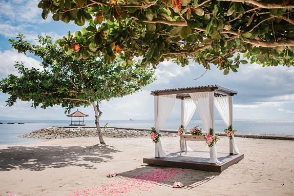 Beach Wedding-Kayumanis Nusadua