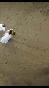 バリ島ウェディング ドローン撮影も快調。オーナーズヴィラウェディングの風景です。ビーチでのドローン撮影が素敵です。