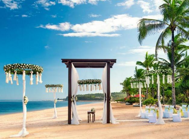 ST Regis-Beach Wedding